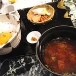 魚貝三昧 げん屋 - 名古屋コーチン卵かけご飯と本日の赤だし