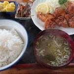 六兵衛蕎麦屋 - 料理写真:唐揚げ定食ご飯大盛り