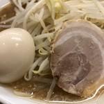 Menya yuusaburou - 味玉、チャーシュー♪