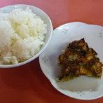 もっちゃん - ラーメンセット(600円)の餃子(4ヶ)とご飯