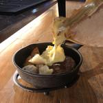 チーズ料理×ワインブッフェ シャンブレ - インスタ映え!とろ〜りラクレットチーズ