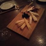 ガリバルディ - チーズ盛り合わせ