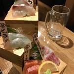 蔵元直送 日本酒ベロ呑み放題酒場 上よし - 刺身盛り合わせ