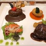 101640027 - 資生堂パーラー名古屋店 15周年スペシャルプレート(サーモンマリネ・ミートクロケット・ステーキ・野菜カレーライス) おいしいものをたくさんの種類、少しずつ食べられるって幸せですね♪ 2018/12/29