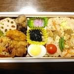 クックデリ御膳 - 料理写真:冬を楽しむ鶏ゴボウ御飯弁当