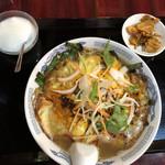 食香閣 - 特製刀削麺セット@750円