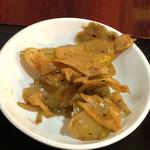 食香閣 - 刀削麺セットのザーサイ