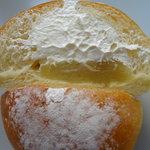 和幸堂製パン - 生クリーム栗あんパン