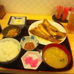 10165390 - コスパ最高の煮魚定食