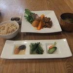 たまな食堂 - 本日の一汁三菜1300円