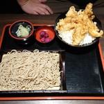 101656199 - とり天丼そば御膳 御飯と蕎麦大盛