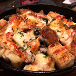 cafe&diner PLUTO - クアトロチーズとサラミのグリルブレッド(ハーフサイズ)