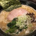 びし屋 - 豚骨醤油ラーメン