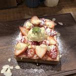 オソラカフェ - いちごトースト♪