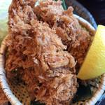 かつアンドかつ - 牡蠣フライ、お好みでレモンを絞って。