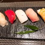 日本料理 大坂ばさら - にぎり
