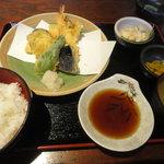 兼蔵 - 兼蔵定食(天ぷら盛り合わせ)