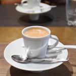 北新地 熟成肉 Bacco Aging bar - ランチタイムは食後のコーヒーが追加¥120(税込)