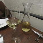 CARO - 白ワインのデキャンタ