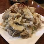 上海亭 - 豚肉のゴマだれ