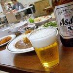 銀杏メトロ食堂 - 座敷で酒盛り