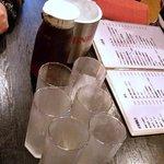 口福餃子 - 眞露のボトルを入れてウーロンハイを作りましょう