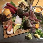 SUSHIと海鮮居酒屋 まるなみ - 「ご馳走刺盛 二人前」1880円