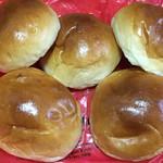 エトルタ - 料理写真:パン (*´ω`*) オレ