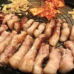 美味辛厨房 まるから - サムギョプサル1人前¥1480
