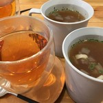 Sandwich Box - SETのスープと紅茶 ¥300