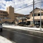 寺沢 - 駅から大通り交差点を左折の直ぐ右手
