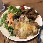 Brook - 鶏ももとねぎの甘辛炒め・白菜とねぎの味噌グラタン