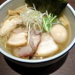 麺処 びぎ屋 - 料理写真:特製白醤油ラーメン1080円