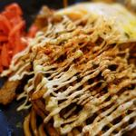 東京焼き麺スタンド - 激辛焼きそば 850円 + 目玉焼き追加 50円 + 大盛り 100円