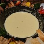 チーズと肉バル HOOBAL -