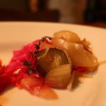 ガーデンハウス レストラン - 紫キャベツ、ペコロス、キュウリのピクルス