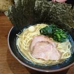 大岡家 - ラーメン+のり増し(5枚)!!