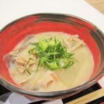 西谷食堂 花ぐるま - 白味噌仕立ての豚汁。