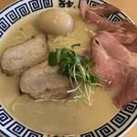 ラーメン而今 - 料理写真: