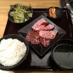 焼肉 乙ちゃん - 上ロースとざぶとんの定食