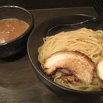 つけ麺 れん寺 - 料理写真:魚介とんこつつけ麺大盛り(860円)