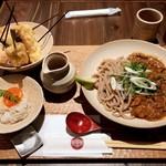 京都四条くをん - かしわキーマうどん 串天五種盛り