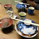 101766892 - 鰻丼 / 並・ご飯小盛(税込2,800円)