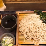嵯峨谷 - 生ビールにわかめを入れればわかめ酒の完成です♪