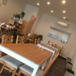 kitchen&cafe hironchi - 雰囲気もええ感じ