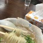 101778163 - 麺はこんな感じ 中太麺