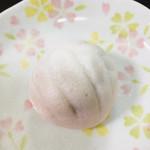 和菓子店 青洋 - 上用饅頭。シンプルで優しいおいしさ。