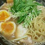 節 - 味玉の黄身と麺