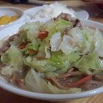 10180437 - 食べ応えのある濃い目のスープでガッツリご飯が食えます!く(`・ω・´)