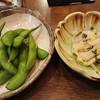 小料理木の花 - 料理写真:お通しの枝豆と白菜漬物
